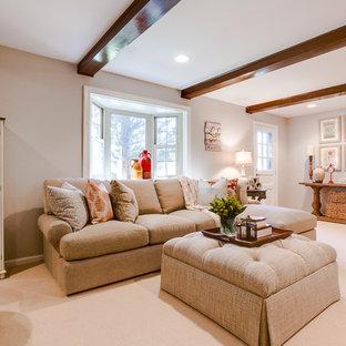 Inspiration pour un salon style shabby chic de taille moyenne et fermé avec un mur gris, moquette, une cheminée standard, un manteau de cheminée en brique et un téléviseur indépendant.
