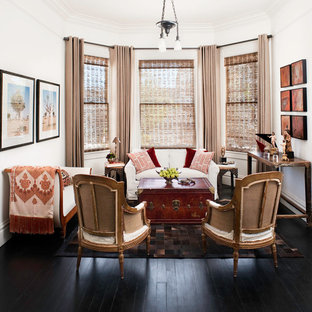 Repräsentatives, Mittelgroßes, Fernseherloses, Abgetrenntes Eklektisches  Wohnzimmer Ohne Kamin Mit Weißer Wandfarbe Und Dunklem