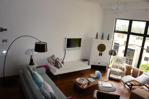 Contemporary Living Room by Artdecotek & a.d.t Pro