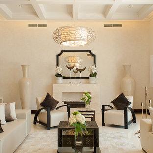 Immagine di un soggiorno tradizionale chiuso con sala formale, pareti beige, camino lineare Ribbon e nessuna TV