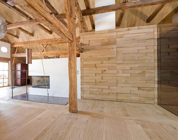 Traditional Living Room by AREA Handelsgesellschaft mbH - Linz OÖ