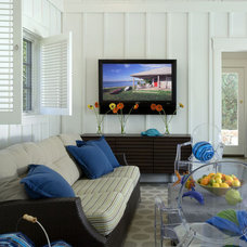 Beach Style Living Room by Siemasko + Verbridge