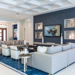 Großes, Repräsentatives, Fernseherloses, Offenes Modernes Wohnzimmer ohne Kamin mit weißer Wandfarbe, Teppichboden und blauem Boden in Miami