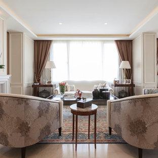 Ejemplo de salón para visitas abierto, clásico, grande, sin televisor, con paredes beige y chimenea tradicional