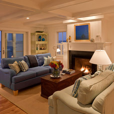 Beach Style Living Room by Peter McDonald Architect