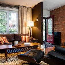Contemporary Living Room by The Graces - ReMax Hallmark Realty