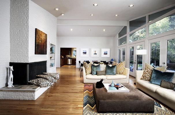 Contemporary Living Room by Carolina V. Gentry, RID