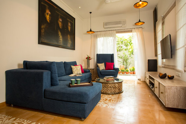Eclectic Family Room by Shabnam Gupta