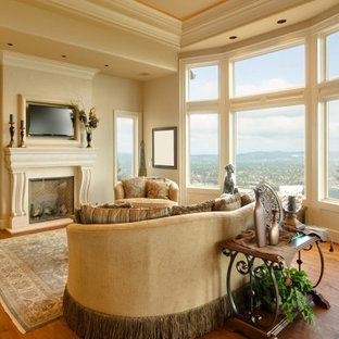 Inspiration for a timeless living room remodel in Austin