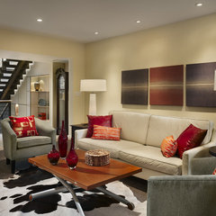 modern living room by Hanson General Contracting, Inc.