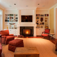 Traditional Living Room by MJ Steen