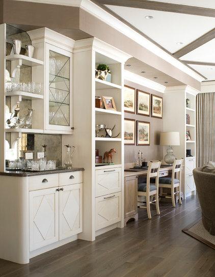 Traditional Living Room by Studio 80 Interior Design