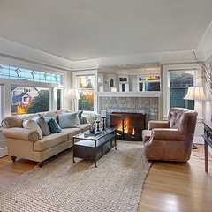 traditional living room by Lisa Lucas Design