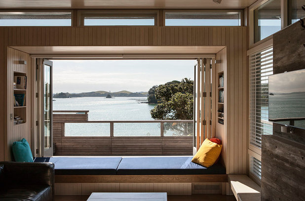 Contemporary Living Room by Studio Pacific Architecture