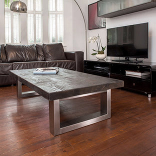Inspiration for a mid-sized modern living room remodel in London
