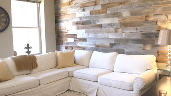 Reclaimed Wood Wall in Urban Apartment