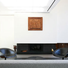 Modern Living Room by redtoparchitects.com