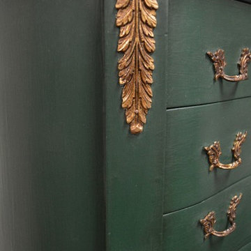 Regal Vintage Table Makeover in Emerald Green