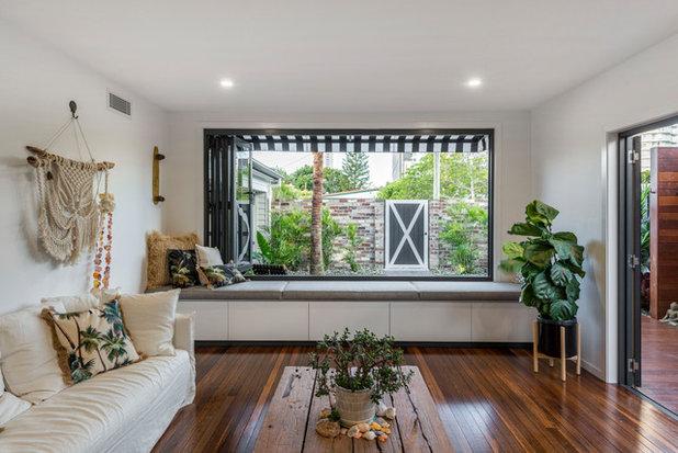 Beach Style Living Room by Stuart Osman