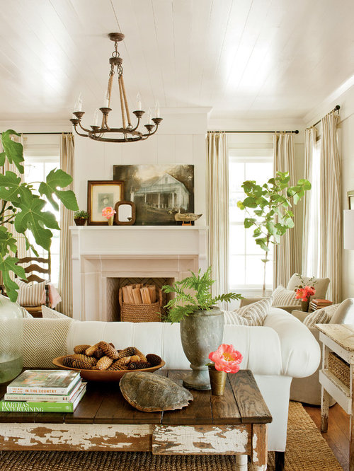 Farmhouse living room design ideas remodels photos houzz - Decorating living room country style ...
