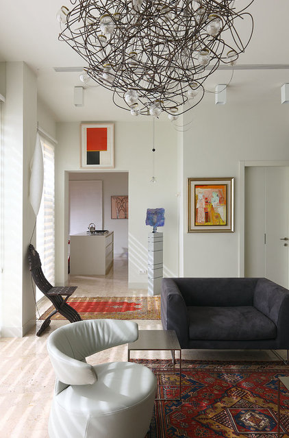 Modern Living Room by Amitzi Architects