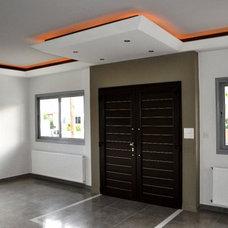 Modern Living Room by Inner Plan Design Studio Ltd