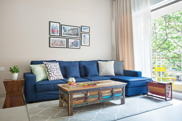 Contemporary Living Room by Bizou