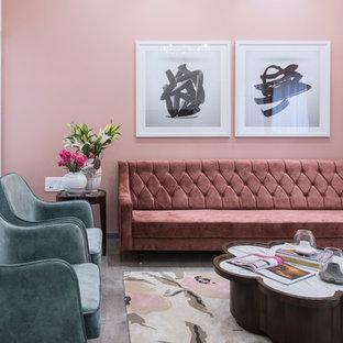 他の地域のコンテンポラリースタイルのおしゃれなリビング (フォーマル、ピンクの壁、グレーの床) の写真