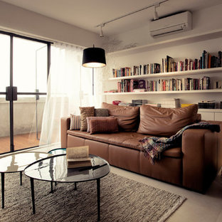 Living room photo in Singapore
