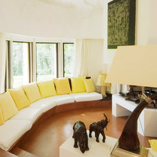 Traditional Living Room by Comep Steel Windows