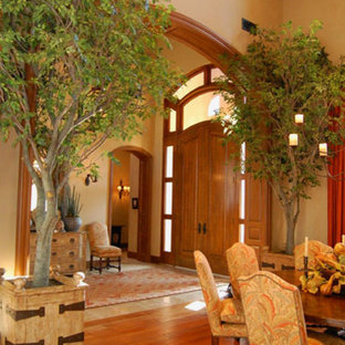 Inspiration for a traditional living room in San Diego.