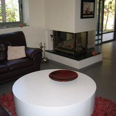 Contemporary Living Room by Rina Magen