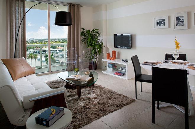 Modern Living Room by CHROMA design lab + interiors