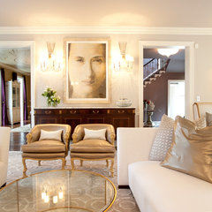 traditional living room by Laura U, Inc.