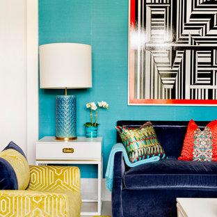 Foto di un soggiorno minimalista di medie dimensioni e chiuso con pareti blu e nessuna TV