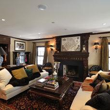 Traditional Living Room by Roberta Murray Designs - Studio r