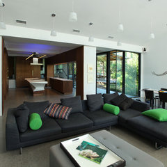 contemporary living room by MINGUELL-MCQUARY, LLC