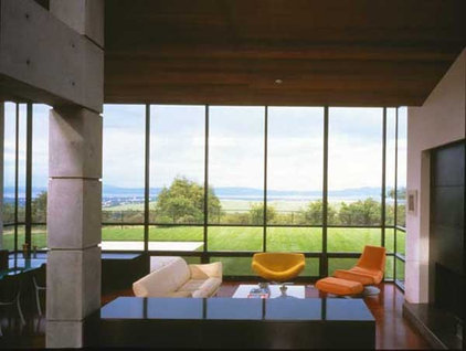 Modern Living Room by Ron Herman Landscape Architect