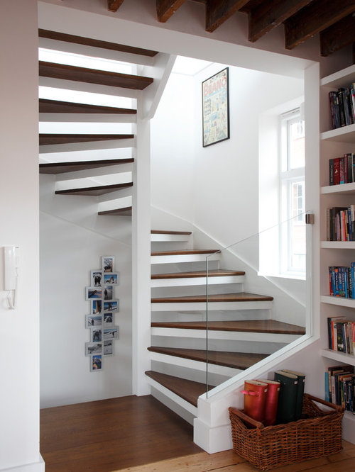 Contemporary spiral staircase design ideas renovations photos - Modern interior design with spiral stairs contemporary spiral staircase design ...