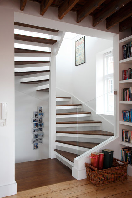 Contemporary Staircase by Robert Rhodes Architecture + Interiors