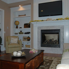 Traditional Living Room by Decor&You - NH