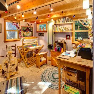 Idee per un piccolo soggiorno stile americano stile loft con pavimento in linoleum, nessun camino e nessuna TV