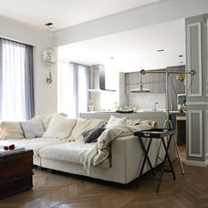 Contemporary Living Room by hoo Interior Design & Styling
