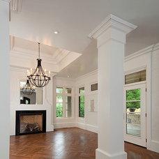 Traditional Living Room by Cynthia Zahoruk Architect Inc.