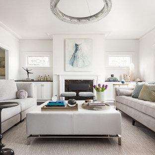サンフランシスコの中くらいのトランジショナルスタイルのおしゃれな独立型リビング (フォーマル、白い壁、標準型暖炉、木材の暖炉まわり、無垢フローリング、テレビなし、茶色い床) の写真