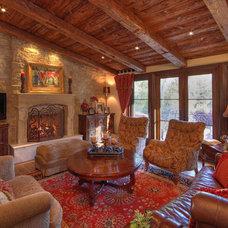 Mediterranean Living Room by Pritzkat & Johnson Architects