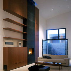 modern living room by RYAN ASSOCIATES GENERAL CONTRACTORS