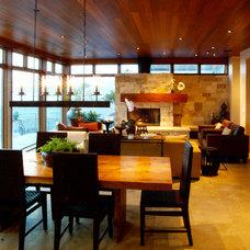 Modern Living Room by martha picciotti