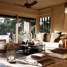 Contemporary Living Room by Fabrizia Frezza Architecture & Interiors
