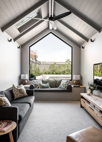 Contemporary Living Room by Hardy Constructions